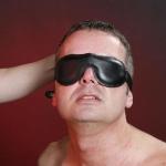 BLB1 - Lederen gevoerde blinddoek